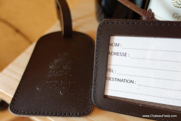 Feely leather travel tags
